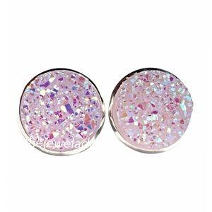 3 for 15🎀 lightest lavender Druzy style earrings